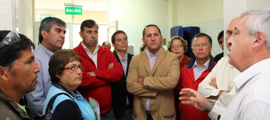 Anuncian construcción de nuevo recinto de urgencias en visita de ministro Mañalich