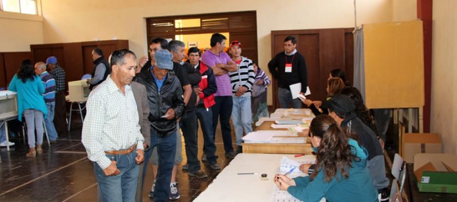 Destacan masiva concurrencia a locales de votación en la comuna de Vicuña