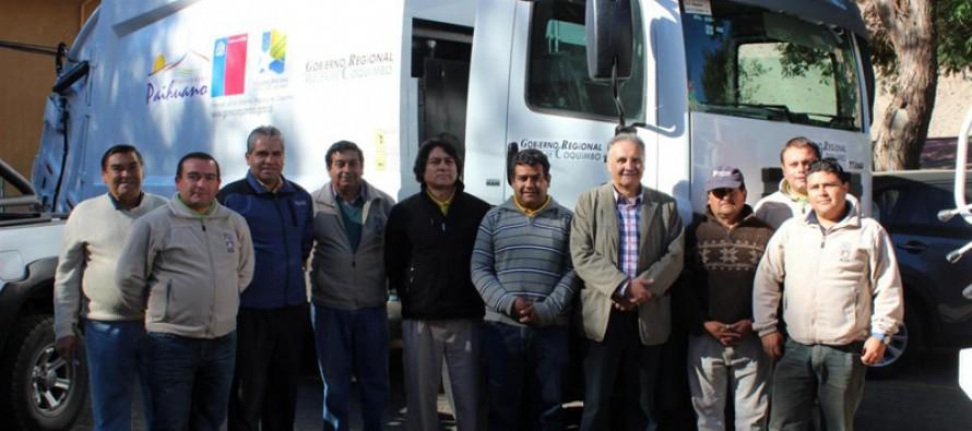 Invierten más de 175 millones de pesos en camiones recolectores en Paihuano