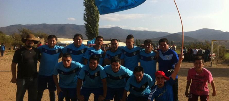 Club Deportivo El Romero levanta nuevamente la copa de Campeón en el rural de La Serena