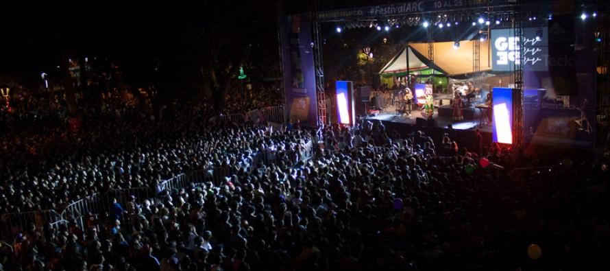 Ante más de 10 mil personas se presentó Nicole y Gepe en el Festival ARC 2014
