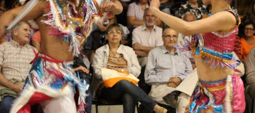 Carnaval del Sol de Paihuano se llena de colorido con muestra de danza folclórica internacional