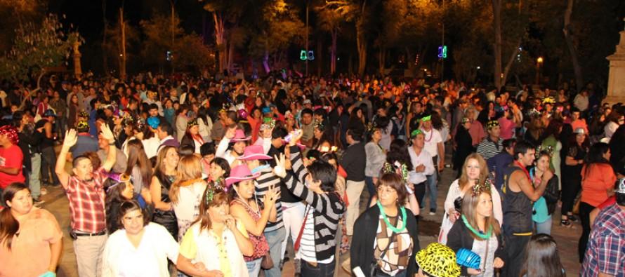 Vicuña inicia el 2014 con fuegos artificiales, fiestas y bienvenida a una nueva versión Carnaval Elquino