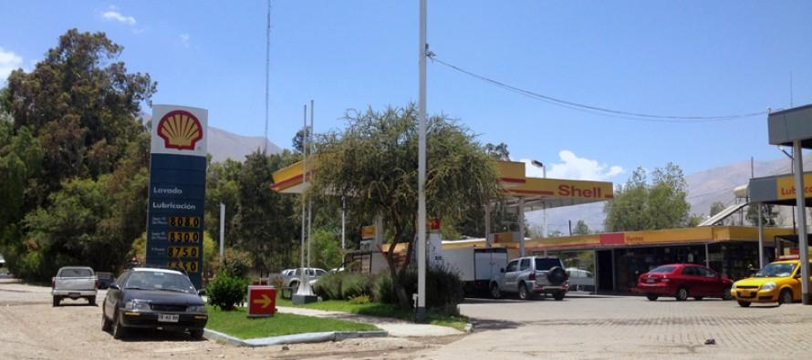 Detienen a dos individuos por robo por sorpresa efectuado en el servicentro Shell