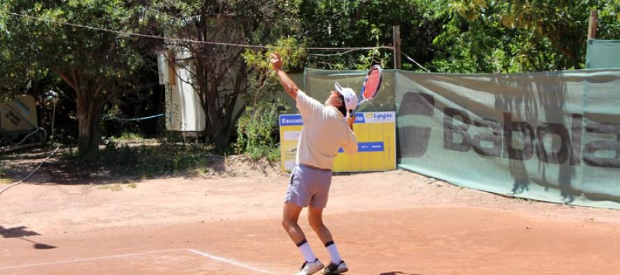 Más de 50 deportistas compiten en el Segundo Abierto de Tenis Copa Canihuante