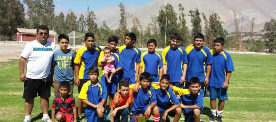 Carabineros unen a través del futbol a niños de Paihuano y El Molle