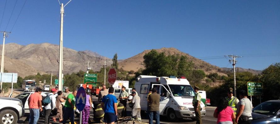 Choque involucra a tres autos en ingreso a Vicuña y deja a dos personas heridas