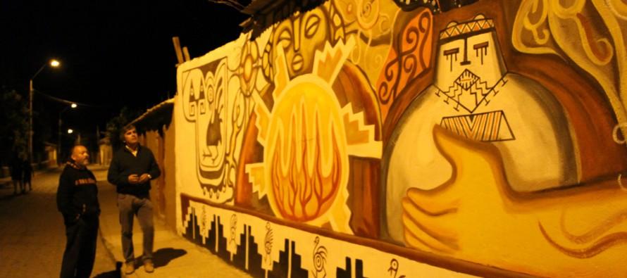 Diaguitas suma otro atractivo turístico con pintado de muros con imágenes patrimoniales