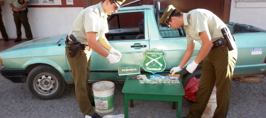 Carabineros detiene a tres individuos por tráfico de drogas y robo en lugar no habitado