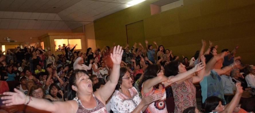 Mujeres paihuaninas disfrutaron de su día con show artístico y reconocimientos