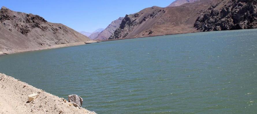 Menor caudal en Río Claro obligó a duplicar entregas desde embalse La Laguna