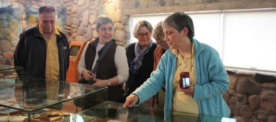 Doris Atkinson visita el Museo Gabriela Mistral en aniversario de su natalicio