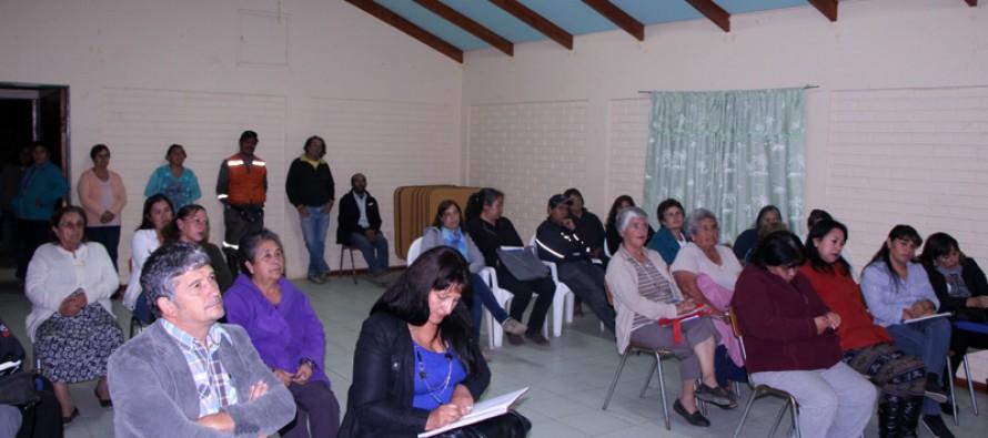 Vecinos analizan proyectos e inquietudes junto a la autoridad comunal y su equipo técnico
