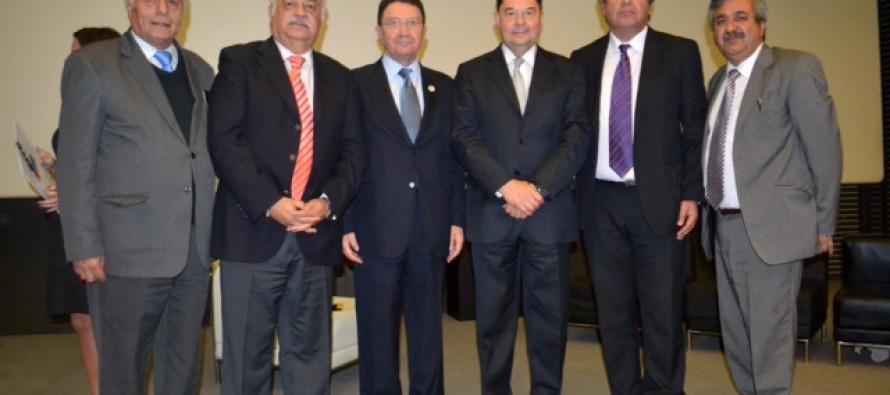 Vicuña participa en foro internacional de liderazgo en turismo