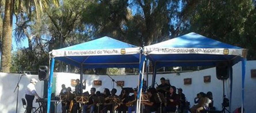 Orquesta Hualpén Big Band deleitaron con su actuación musical a  elquinos y turistas