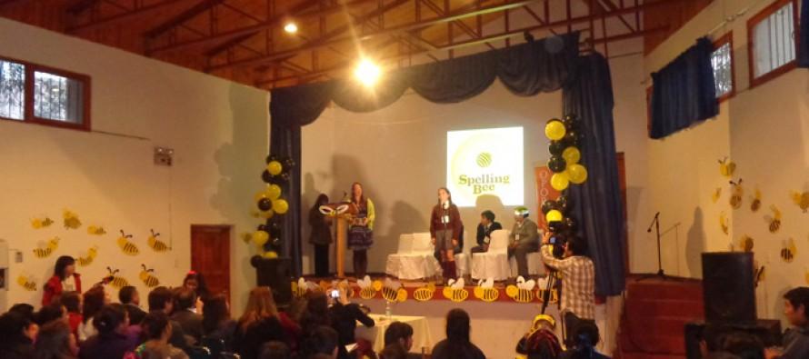 Alumnos de Paihuano muestran su dominio del inglés a la comunidad