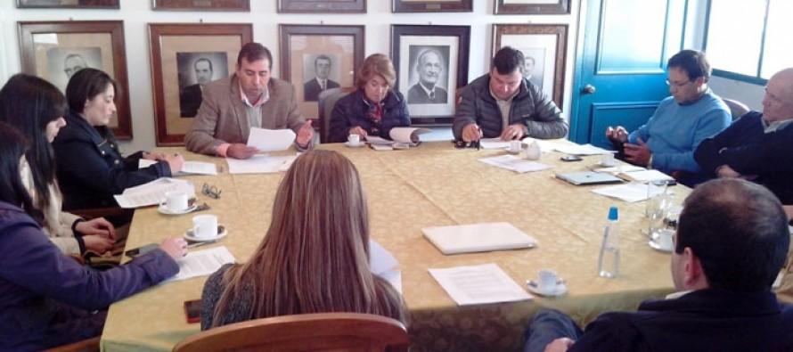 Multigremial analiza con diputado Gahona las modificaciones a la reforma tributaria