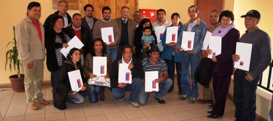 Vecinos de Paihuano se convierten en nuevos propietarios