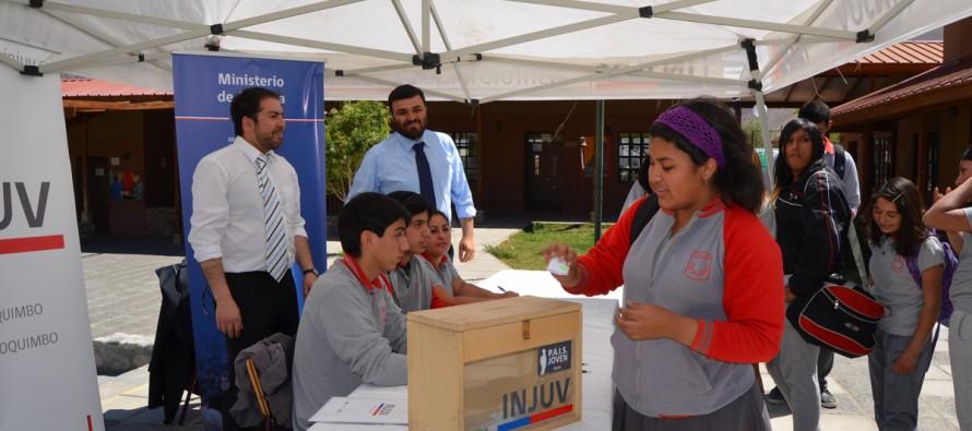 En Paihuano la Seremi de Justicia invita a estudiantes a empoderarse cívicamente