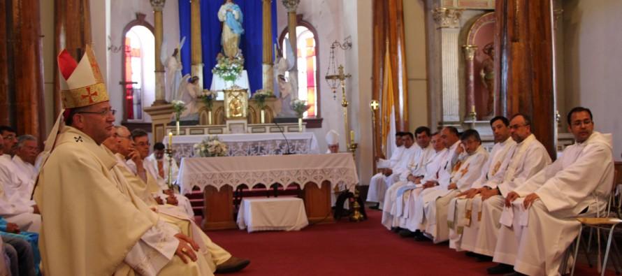 Arzobispo Rebolledo realiza misión territorial con comunidades del Elqui y Limarí en Vicuña