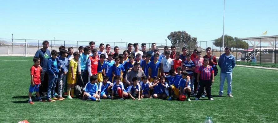 Escuela de Fútbol de Paihuano participa en encuentro deportivo en Tongoy