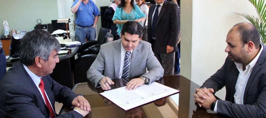 Vicuña y Santa Lucia trabajan en la integración a través de convenio entre municipios