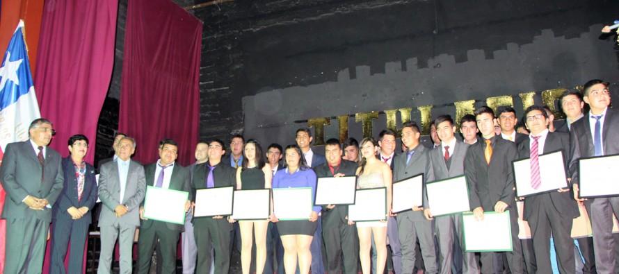 Destacan nivel de licenciados del área técnico profesional del Liceo Carlos Moncada de Vicuña