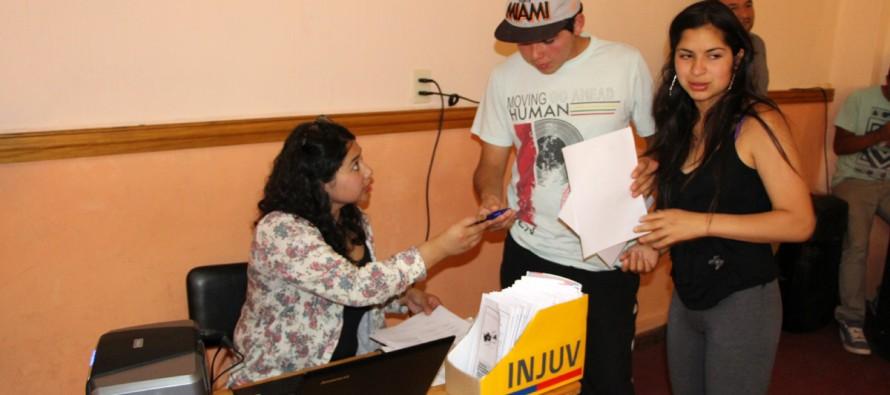 Jóvenes podrán acceder con precio rebajado a Parque Los Pimientos con Tarjeta Joven del INJUV