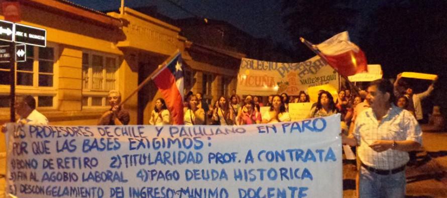 Profesores de Vicuña y Paihuano se manifiestan con respecto a demandas del gremio