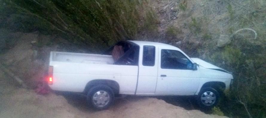 Un lesionado deja volcamiento de camioneta en Paihuano