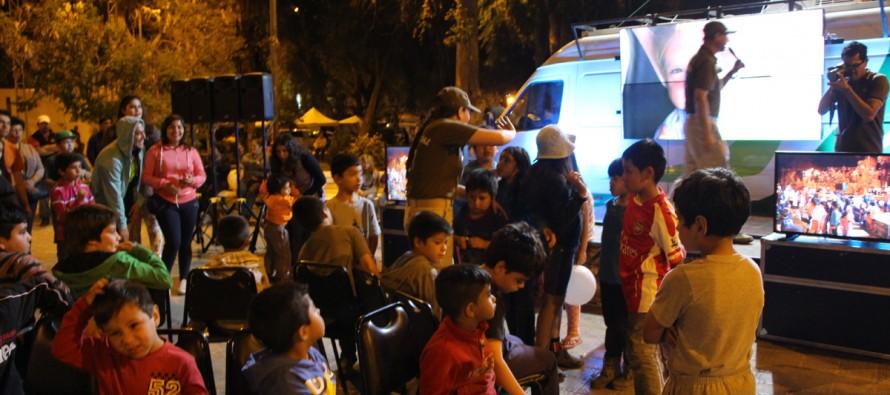 """""""Seamos Amigos Sin Drogas"""" congregó a familias completas  en la Plaza de Armas de Vicuña"""