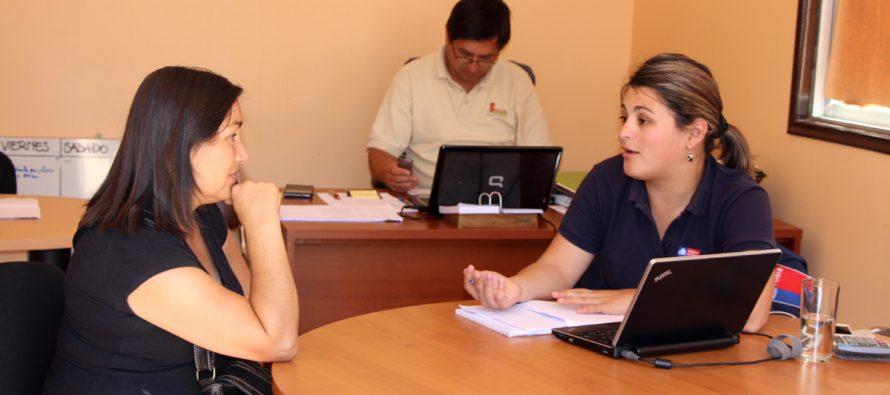 Decenas de personas se encuentran postulando a los Fondos concursables del FOSIS en Vicuña
