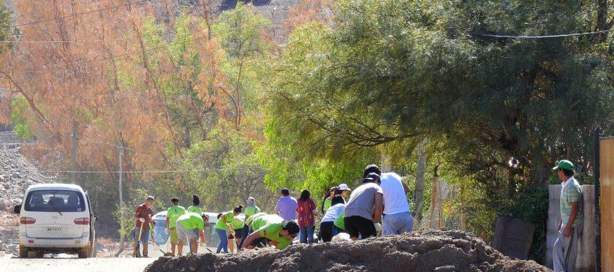 Más de un centenar de voluntarios llegaron el fin de semana a colaborar en la comuna de Vicuña