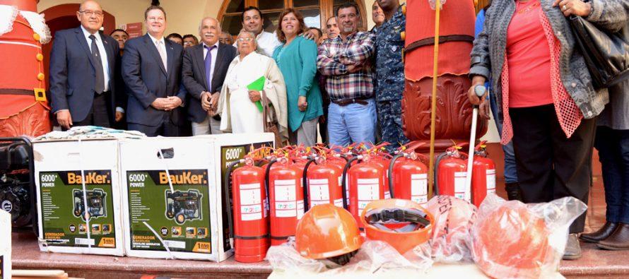 Gobierno de EE.UU entrega equipamiento de emergencia para pueblos rurales de La Serena