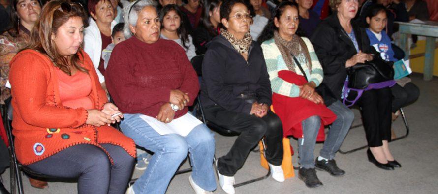 Vecinos de Altovalsol participan activamente en diálogo ciudadano por Ruta 41