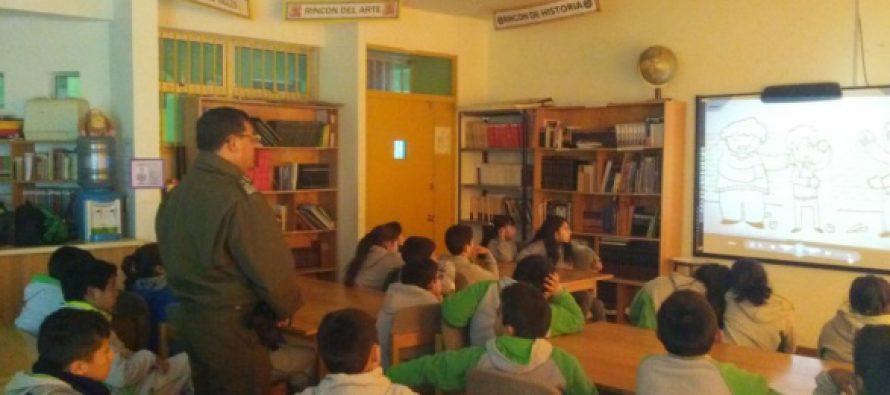 Carabineros de Vicuña realizó charlas para prevenir el bullying escolar