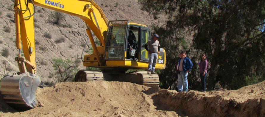 Comisión Nacional de Riego trabaja en conjunto con regantes para recuperar canales en comuna de Vicuña