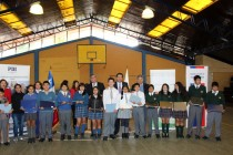 Un total de 144 niños de Vicuña reciben sus computadores a través de Junaeb