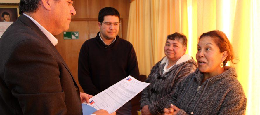 Entregan subsidios especiales a dos familias de la comuna de Vicuña