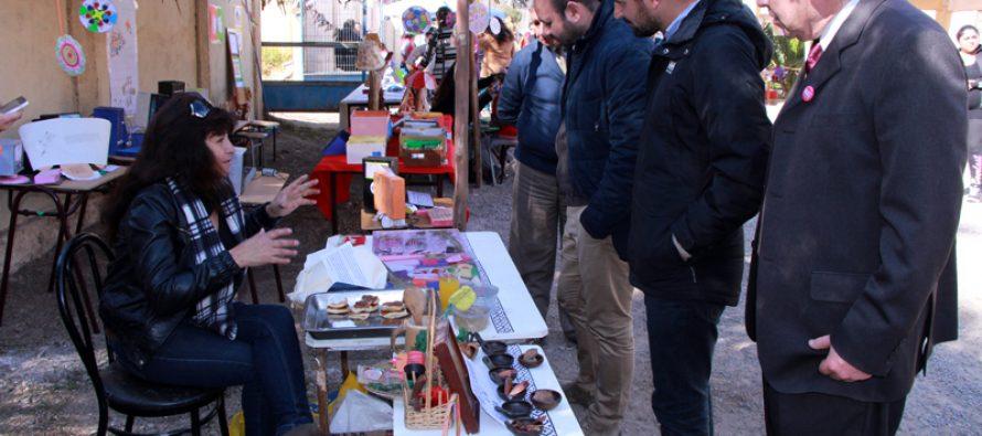 Realizan muestra de talleres escolares en la escuela Dagoberto Campos Núñez  de El Molle