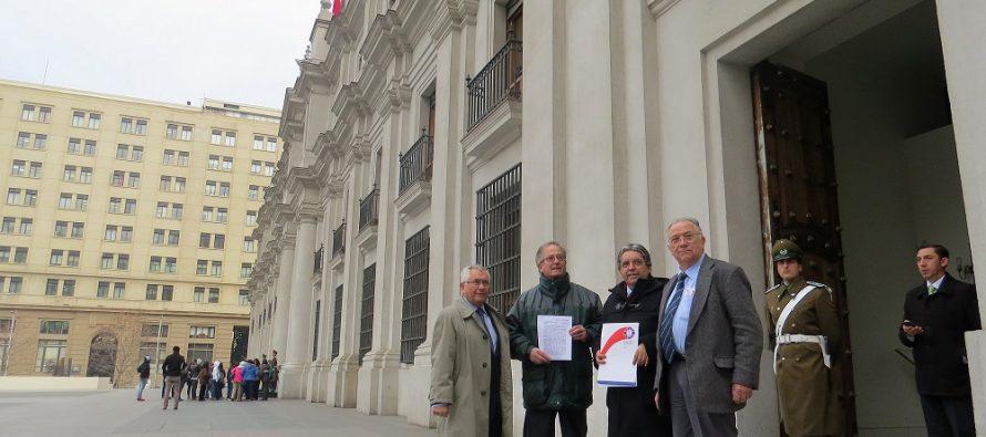 Colegio Médico da decisivo respaldo en contra de instalación de torres en el Valle de Elqui