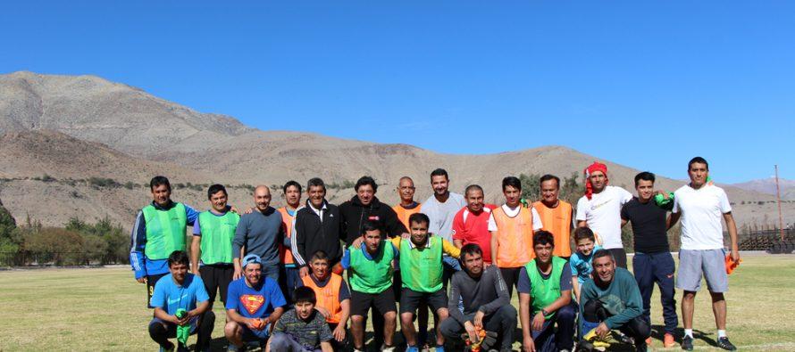 Referentes de fútbol nacional realizan cursos de entrenador y arbitro en la comuna de Vicuña