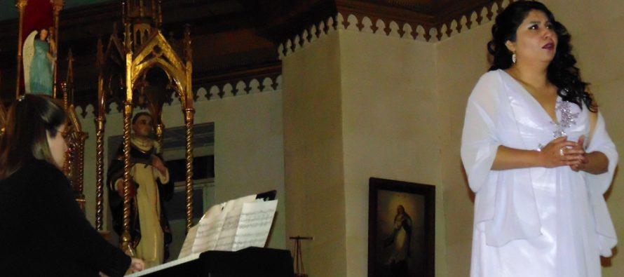 Exitoso concierto lirico ofreció destacada artista soprano en Pisco Elqui
