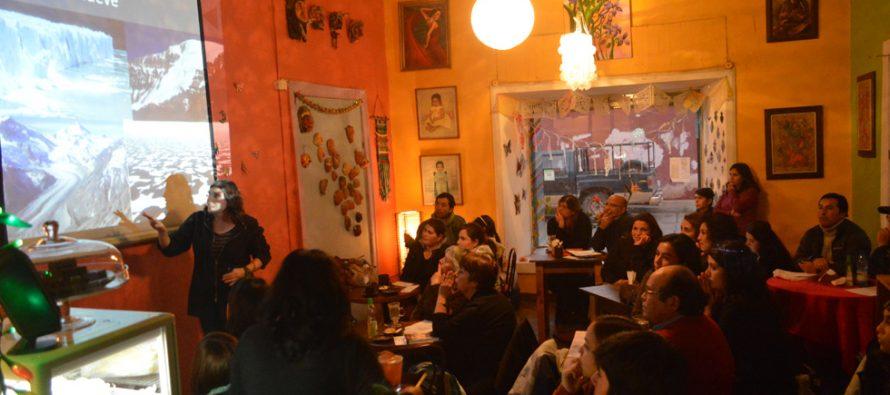 Destacan valor patrimonial de glaciares y potencial contribución de glaciares en Café Científico de Ceaza