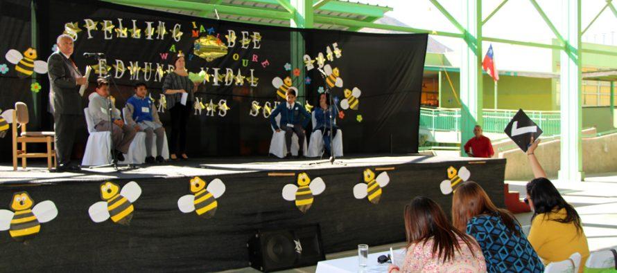 """Escuela Neftalí Reyes de El Tambo fue la ganadora del """"Spelling Bee"""" en Peralillo"""