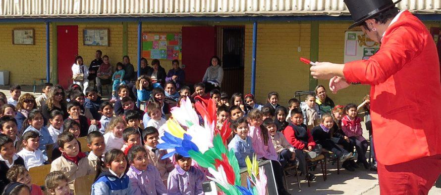 Alumnos y alumnas del colegio Saturno disfrutaron del día del niño con magia y ciencia