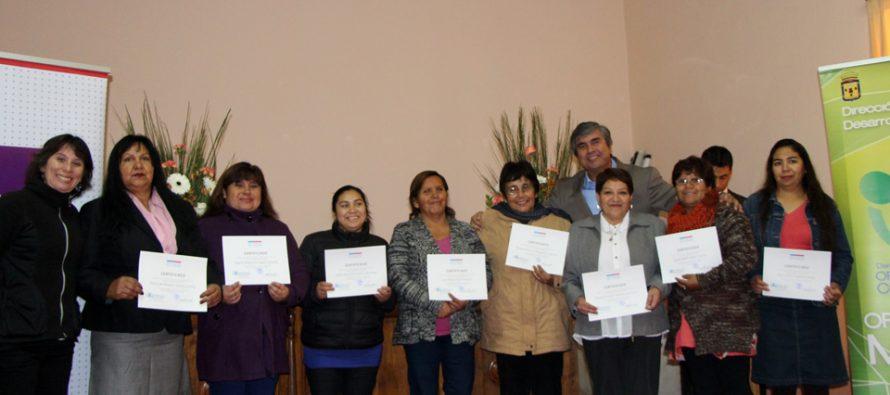 Elquinas se empoderan a través de programa Mujer Trabajadora y Jefa de Hogar