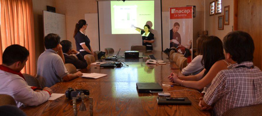 Alumnas de Enfermería de INACAP realizan operativo de salud en Cooperativa Capel