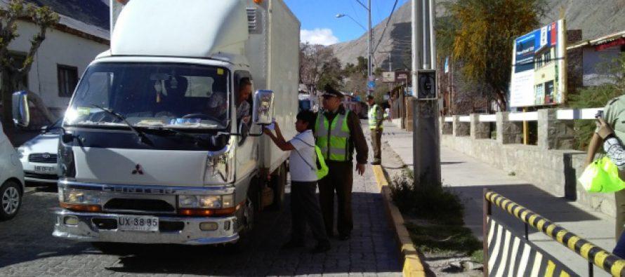 Carabineros realiza campaña de Fiestas Patrias en Paihuano, Pisco Elqui y Vicuña