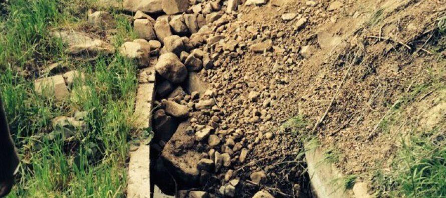 Agricultores son golpeados nuevamente por la catástrofe: Canales de regadío tuvieron daño por el terremoto